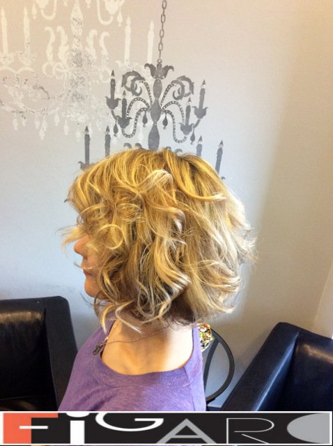 Soft Curles Layered Bob Hair Cut blonde HighLights Figaro Hair Salon Toronto